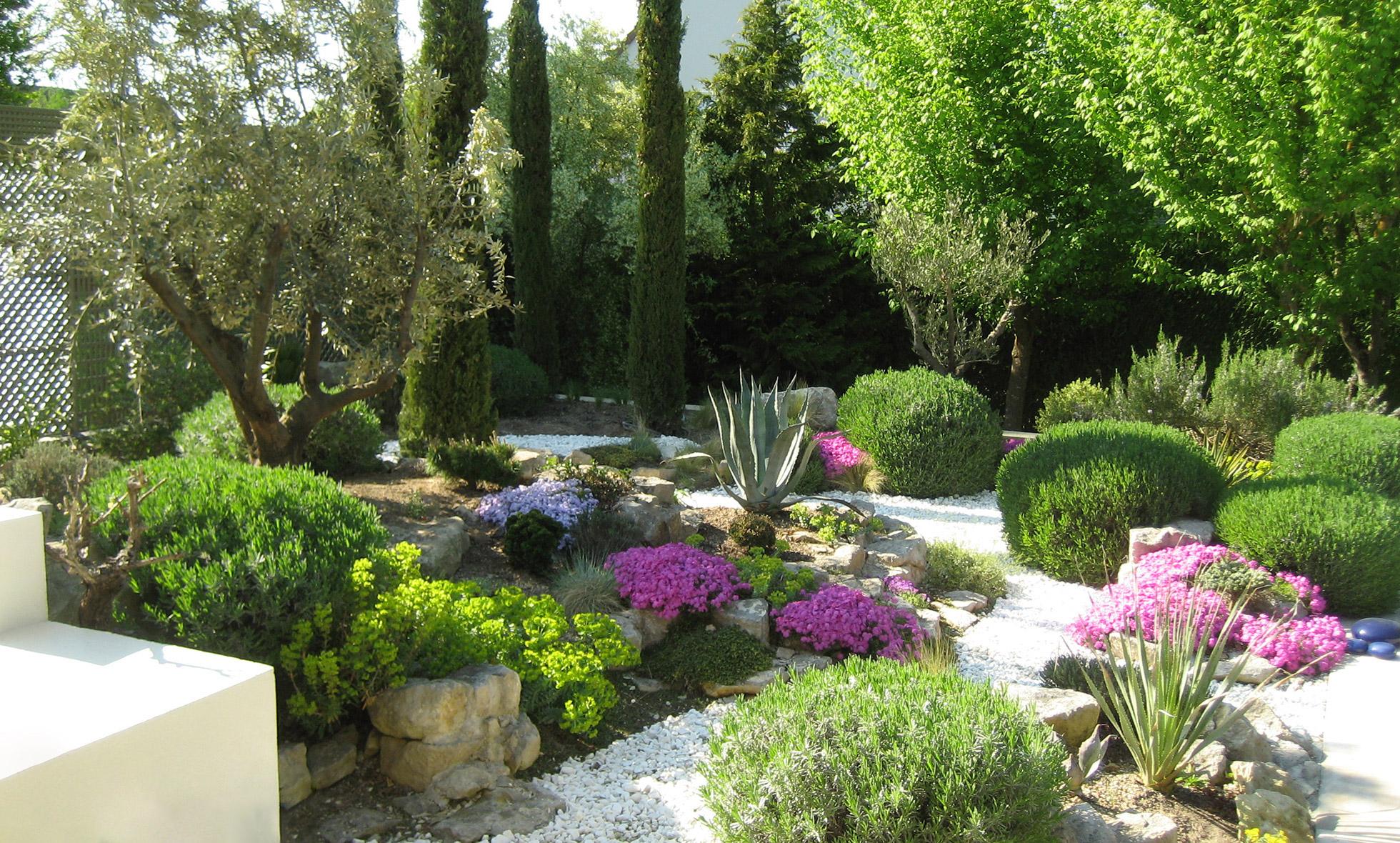 Elagage et jardins jardinier paysagiste cond sur vesgre for Elagage entretien jardin